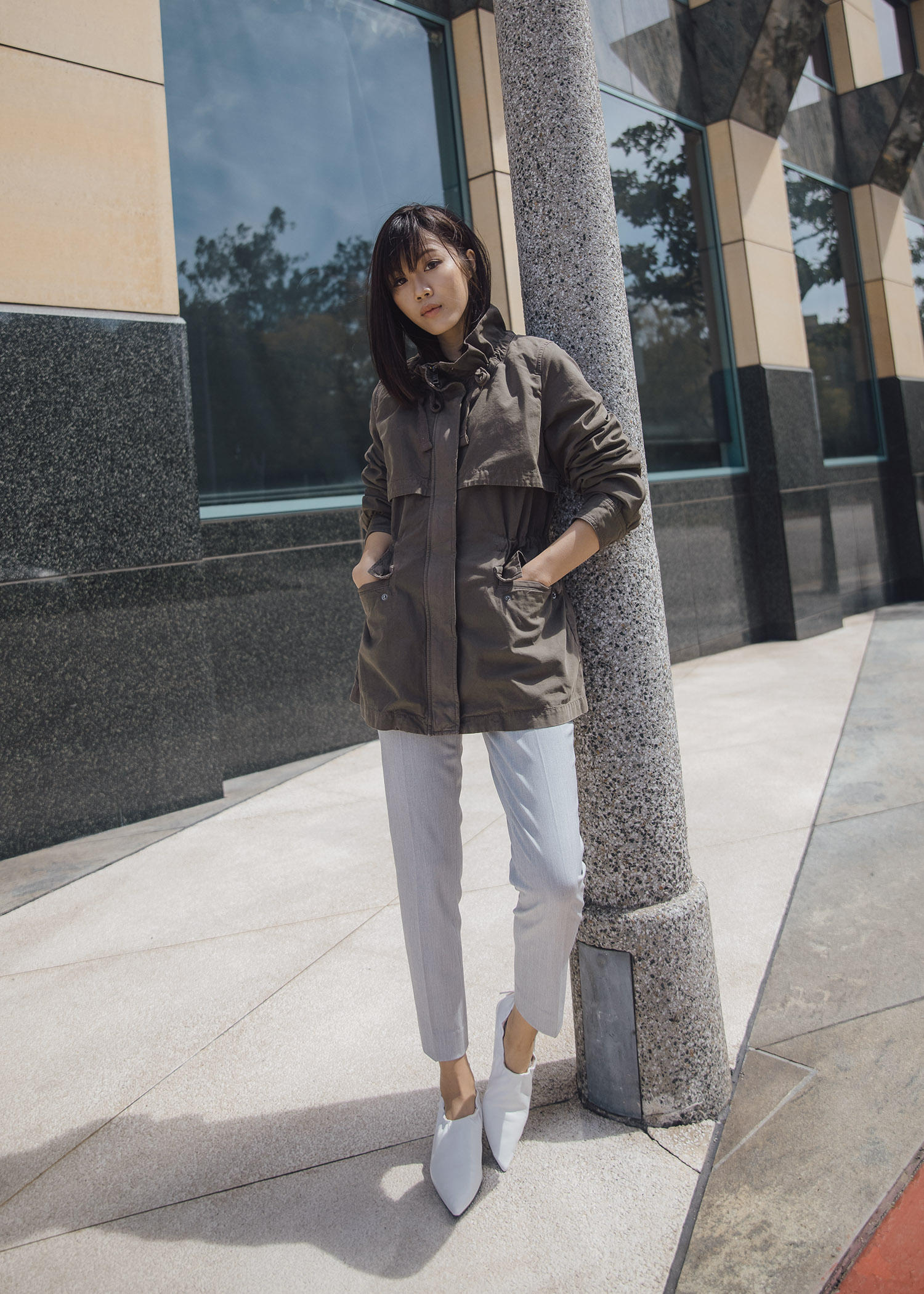 Jenny Tsang of Tsangtastic styling Banana Republic avery pants in two ways
